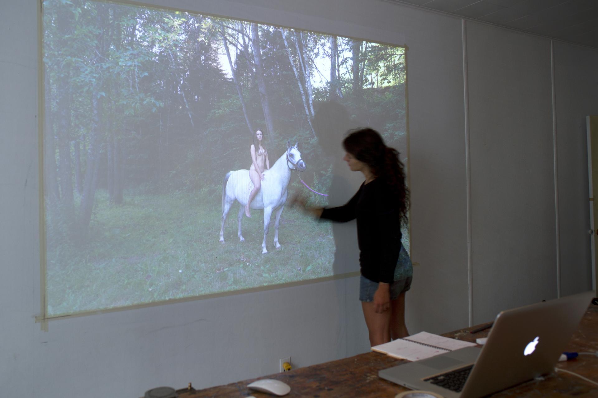 Expérimentations menées en atelier par Faye Mullen en résidence